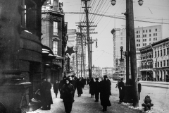 Manitoba Archives. Winnipeg Streets – Main c.1915 north from Bannatyne.